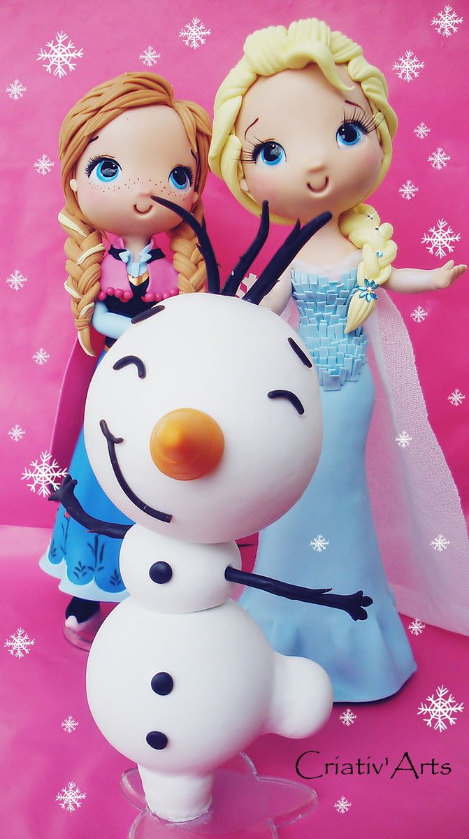 Elsa e Anna Customizada feita em biscuit <br> <br>*princesas 25 cm de altura <br> * Olaf 15 cm de altura <br>as peças podem ter alteração no tamanho, por ser artesanal, mas caso haja será para uma altura maior do que a indicada <br> <br>fazemos outros personagens nesse mesmo modelo.