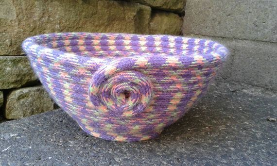 Upcycled climbing rope bowl size M. by HangingbyaFred on Etsy