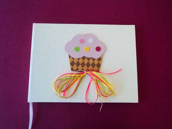 Βιβλίο ευχών βάπτισης ροζ cupcake