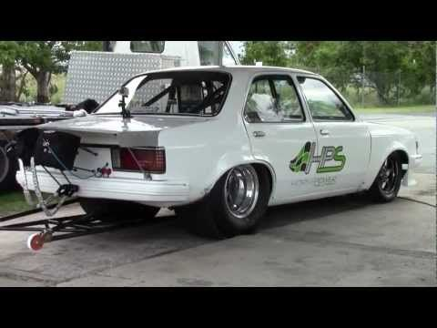 7.61 @ 190 mph NIKKI HEPBURN - V8 TWIN TURBO GEMINI (TEST DAY 27/03/2013) - YouTube