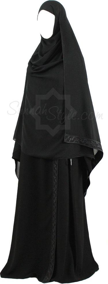 Black Diamond Shoulder Close Abaya by Sunnah Style #SunnahStyle #Islamicclothing #abayastyle
