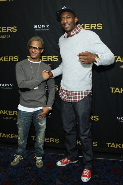 """Amare Stoudemire T.I. Photos - Actor and recording artist Tip 'T.I.' Harris (L) and Amar'e Stoudemire attend a special screening of """"Takers"""" at the Regal E-Walk on August 15, 2010 in New York City. - """"Takers"""" New York Screening"""