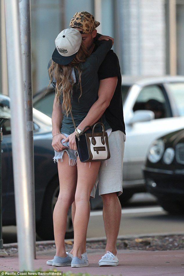 Nina Agdal kissed her boyfriend