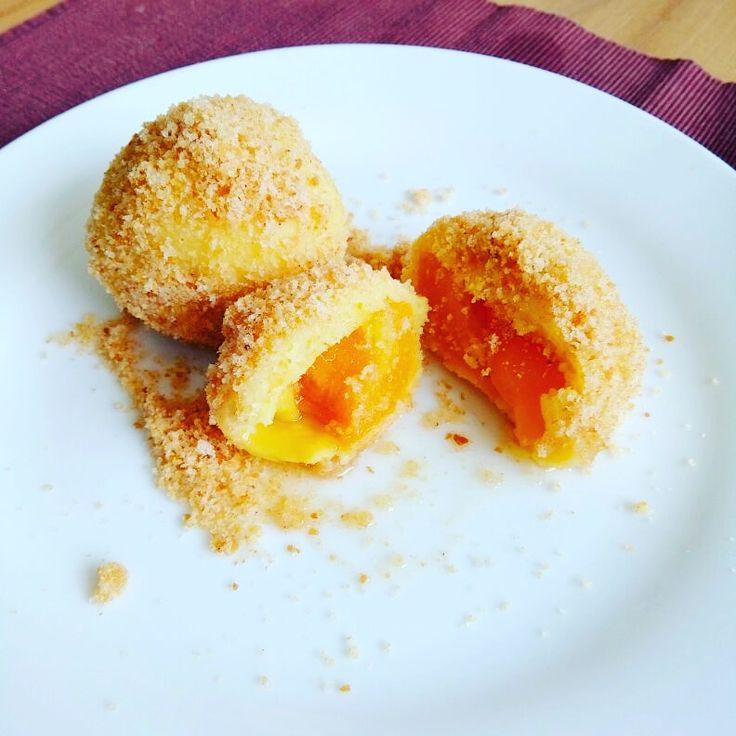"""Come si preparano i canederli alle albicocche - i famosi """"Marillenknödel"""", un grande classico della cucina altoatesina"""