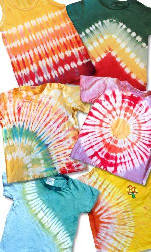【F】タイダイ染めっていう方法で、布を絞って染めるらしい。どんな出来上がりになるか分からないからわくわくできそう。