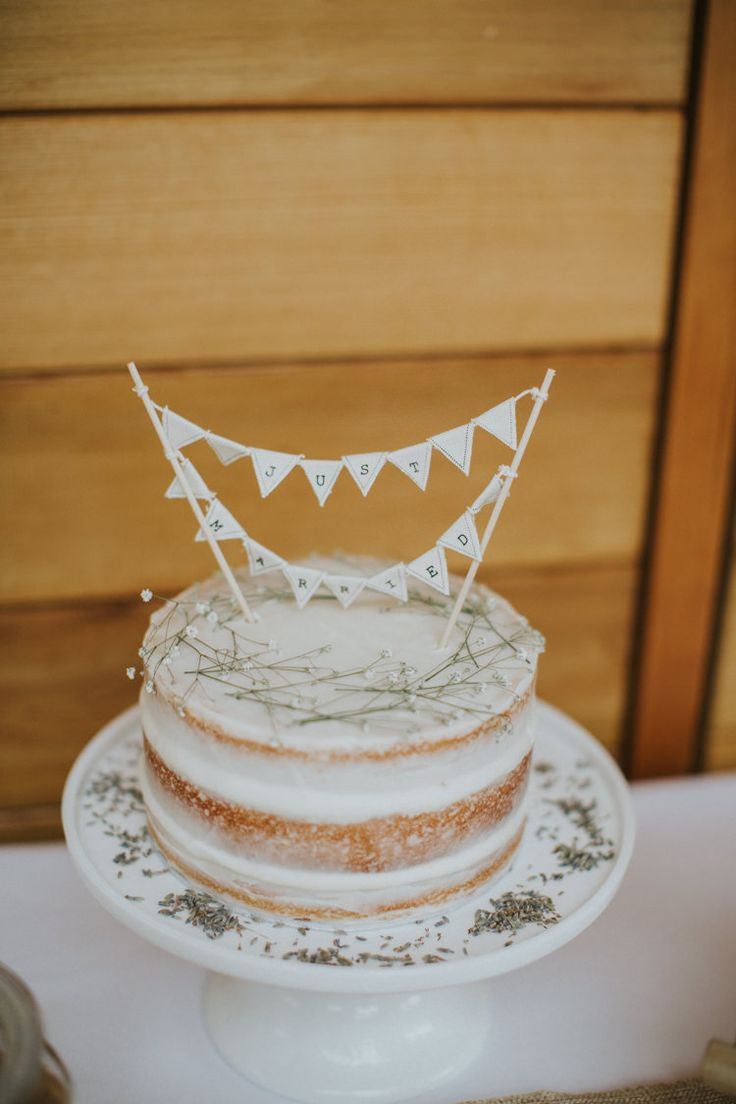 Naked Cake Icing Bunting Topper Creative DIY Rustic Lavender Wedding http://www.nataliepluck.com/
