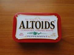 Altoids/mint tin mini watercolor paint box - New Process using vit. C and sculpey. Video - no pdf @ instructables