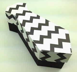 Caja con forma de corbata. Tutorial con plantilla.