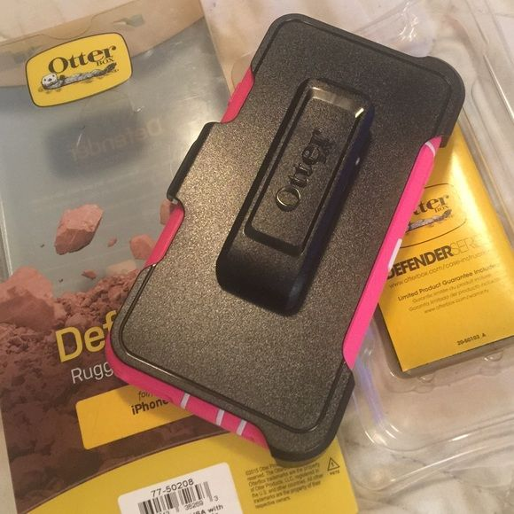 BRAND NIB OTTER BOX 6/6S IPHONE CASE New in the box never used before Otter Box Defender Rugged Protection series for iPhone 6/6S case. NO TRADES & ‼️FIRM‼️price. ‼️Also this item is excluded from any other sales I may be having‼️Thanks for looking & feel free to ask any questions besides can I lower the price OtterBox Accessories Phone Cases