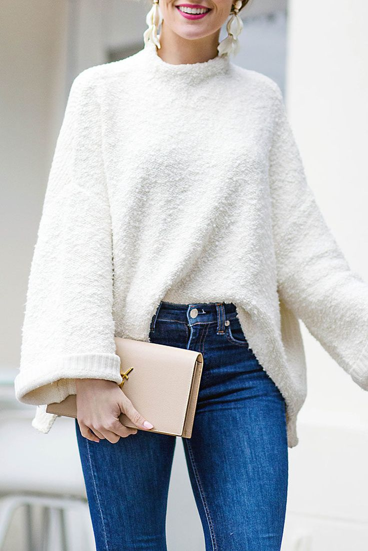 free people cuddle up pullover | white sweater outfit | white sweater for winter | winter sweaters | cozy sweaters | sweaters for women | sweater and jeans outfit || LonestarSouthern.com #whitesweater #sweateroutfit #winteroutfit