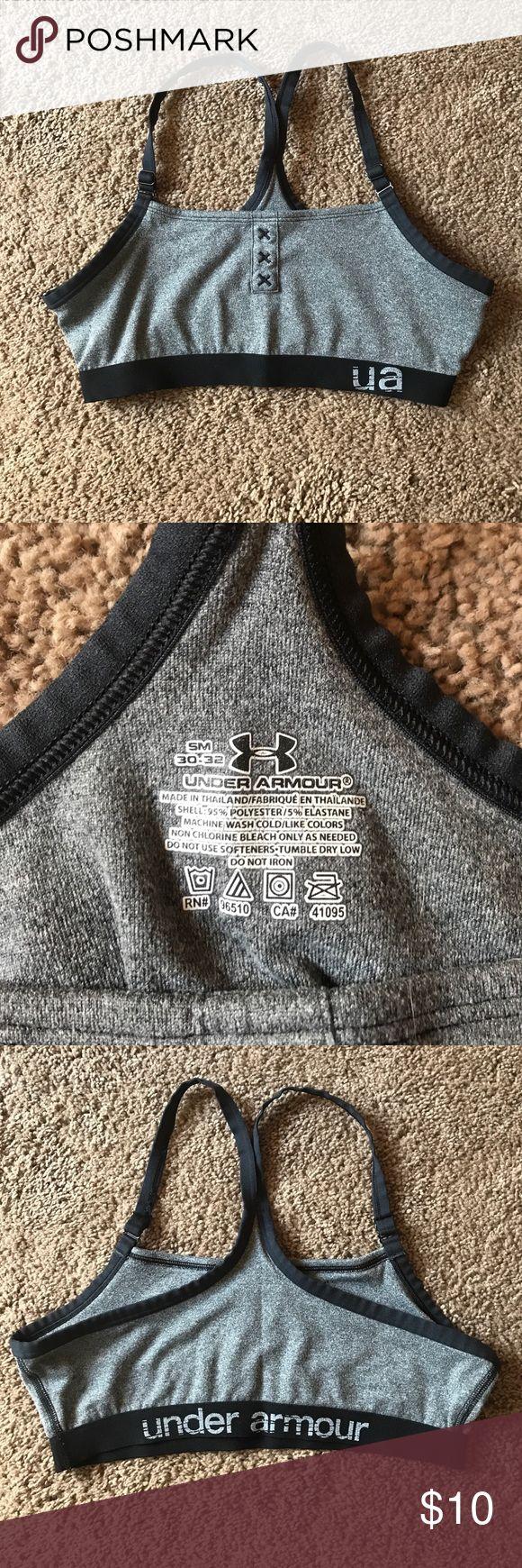 Women's sports bra Women/young women's Under Armour sports bra, used like new. Under Armour Intimates & Sleepwear Bras