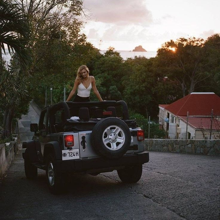 Karlie Kloss x Express 2017 #KarlieKloss #karlie4express #klossy #express #supermodel #kodewithkarlie #kodewithklossy