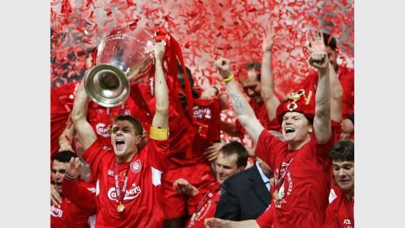 2005: Liverpool. Die Engländer feiern gegen den AC Mailand ein Sensations-Comeback. Nach einem 0:3 zur Pause, dreht Liverpool auf, gewinnt am Ende nach Elfmeterschießen mit 6:5