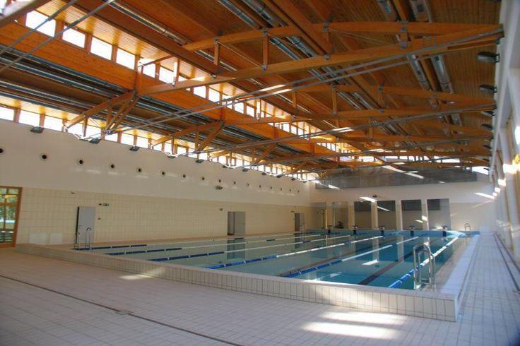 A gyönyörű környezetben található Mátészalka Városi Uszoda több medencével, wellness szolgáltatásokkal és gyógyhatású termálvízzel várja a látogatókat.