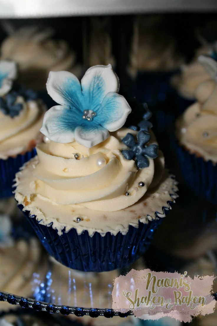 Wedding cake, wedding cupcakes, wedding, wedding planner, wedding event, gold coast, sunshine coast, Brisbane, hinterland weddings, romantic, rustic, vintage, simple, elegant, stunning, beautiful, love, breath taking, lovely, gorgeous, luxury, quality, cake, divine, mud cakes, vegan cakes, gluten free cakes, tantalising, flowers. Edible art, edible toppers, edible flowers, Bride, groom, Caboolture, cake decorator, professional, blue
