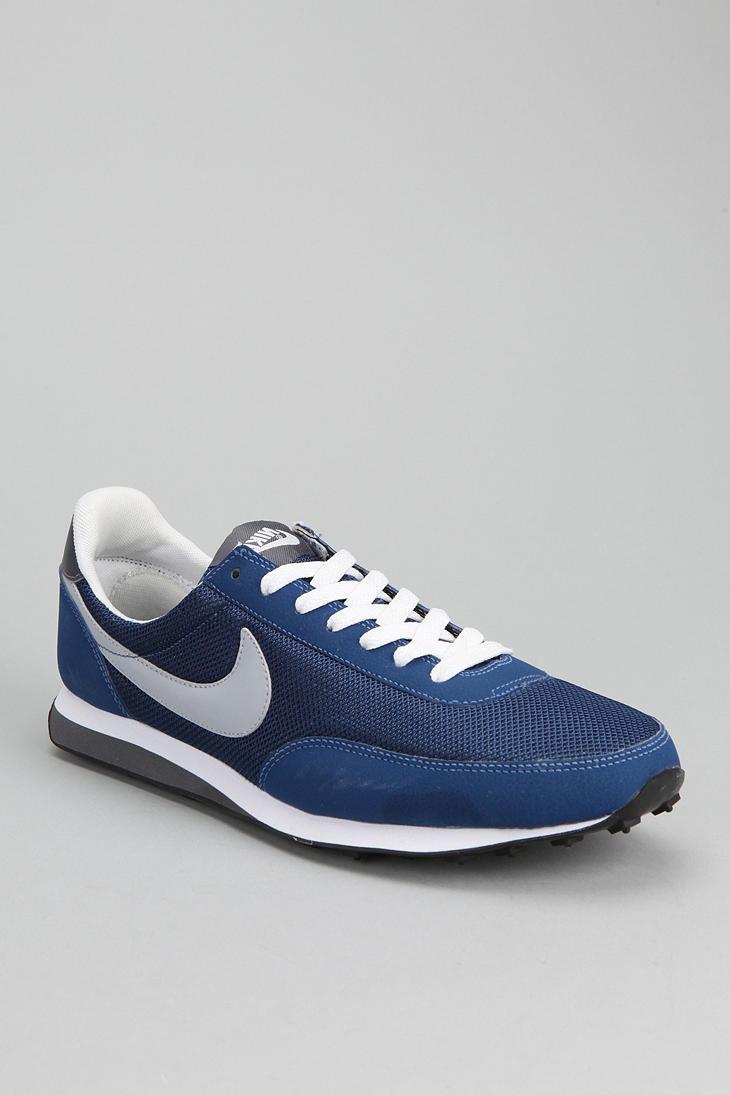 Nike Elite Sneaker - Urban Outfitters