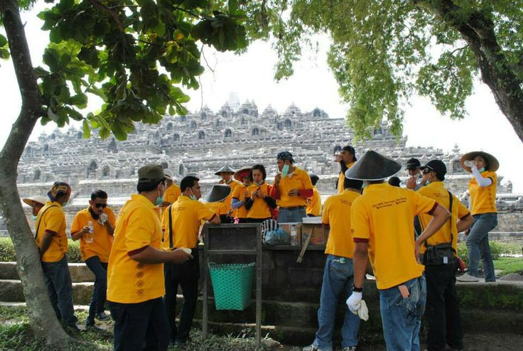 Atria Magelang cleaning Borobudur Temple