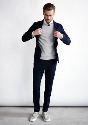 30 Graduation Outfits for Guys - http://outfitideashq.com/top-30-best-graduation-outfits-for-guys/