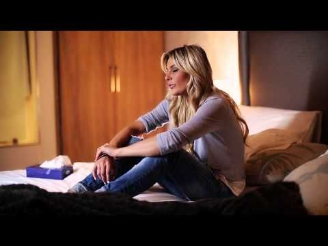 EKSKLUSIEF vir SARIE: Karlien van Jaarsveld se 'Hande' - YouTube