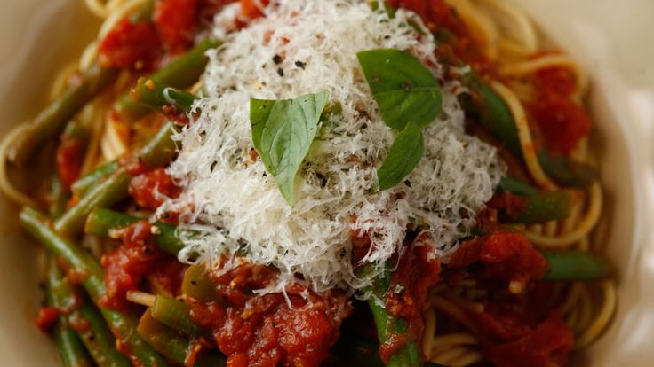 Buddy Valastro's Pasta with Tomatoes and Green Beans Recipe