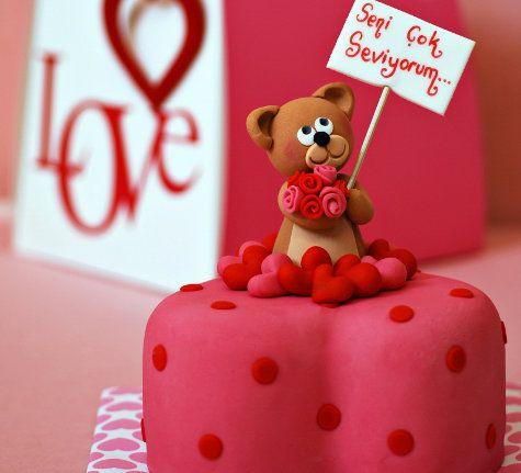 İlanı aşk eden ayıcıklı pasta