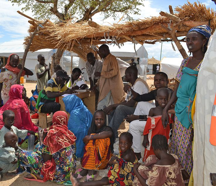 24 mai 2015 - Le nord du Cameroun sous la menace de Boko Haram - Depuis plus d'un an, le groupe islamiste Boko Haram sévit dans les pays du bassin du lac Tchad. Au Cameroun, la province de l'Extrême-Nord subit des attaques répétées du groupe.
