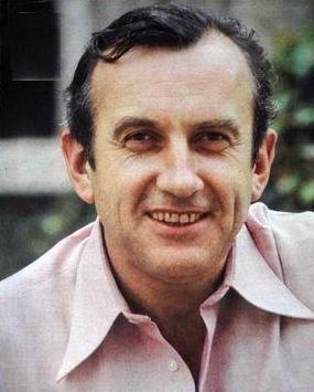 Daniel Ceccaldi, né le 25 juillet 1927 à Meaux et mort le 27 mars 2003 à Paris, est un acteur, auteur et metteur en scène français