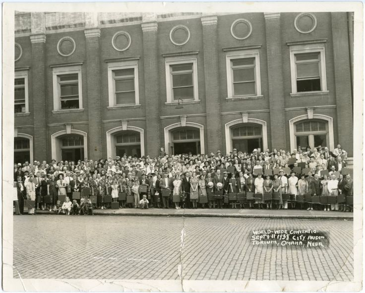Sept 9-11, 1938 World Wide Convention Omaha, NE - My mom (Irene) and family are in this group (Roger Johnson)