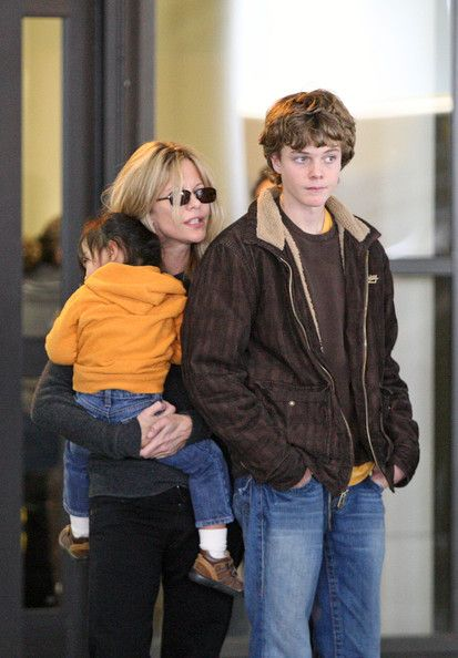 Meg Ryan  with older son  Jack( father is Randy Quaid), and younger daughter