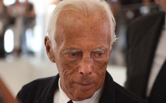 Giorgio Armani. Nato a Piacenza, è uno dei più quotati stilisti internazionali e tra gli ambasciatori dell'alta moda italiana nel mondo.
