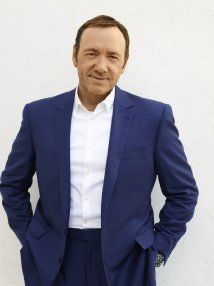 Kevin Spacey - Mike's dad