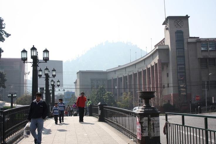 Puente Pío Nono y Escuela de Derecho Universidad de Chile