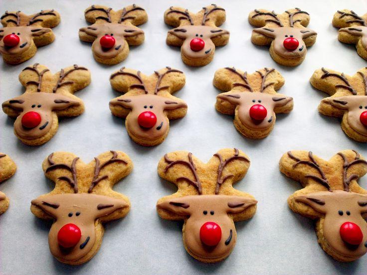 Праздничные имбирные пряники :)  Пошаговый рецепт оочень вкусных пряников!  Christmas Gingerbread Reindeer cookies with royal icing. Easy photo recipe!
