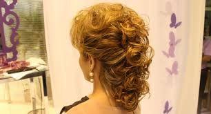 Resultado de imagem para penteados para mãe da noiva