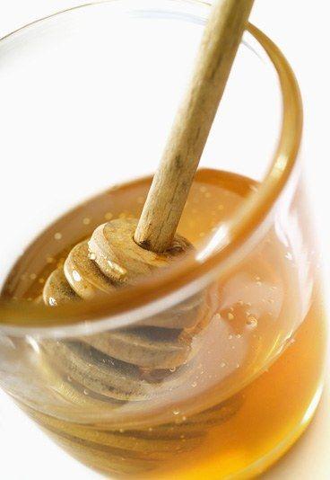 8 masques pour le visage fait maison : Masque au miel - 8 masques visage maison - Recette de grand mere pour masque visage