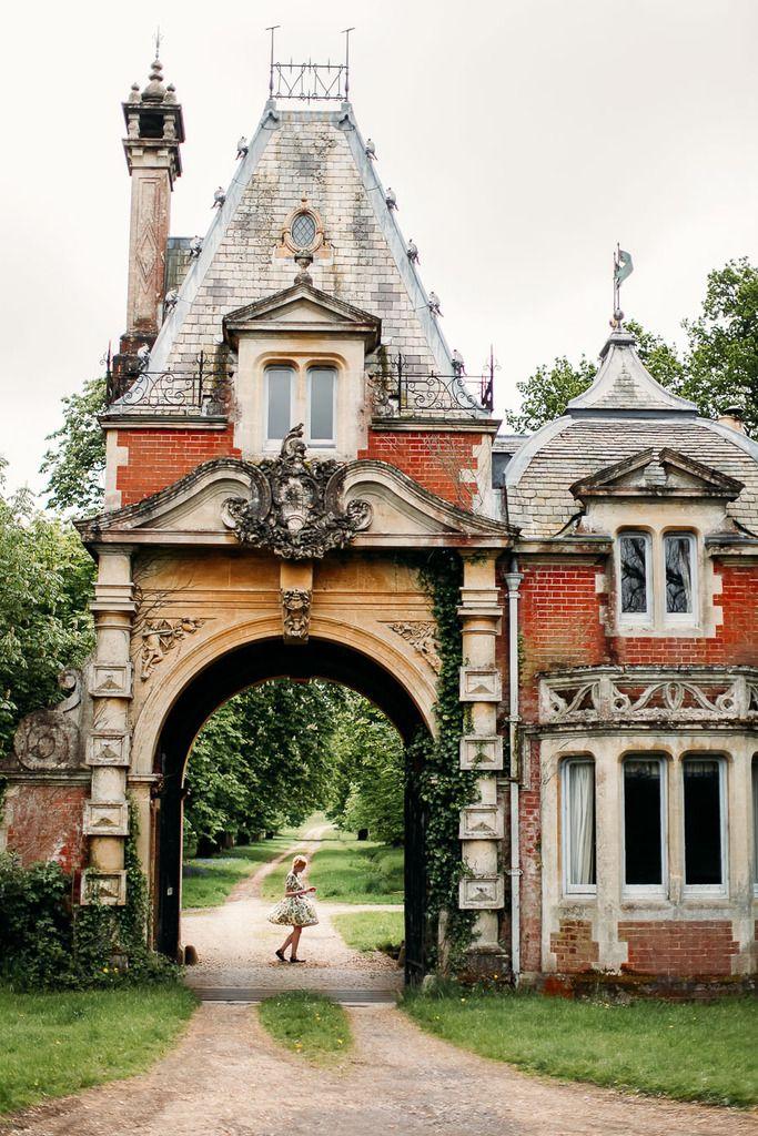 Outfit: The Brockenhurst Gatehouse