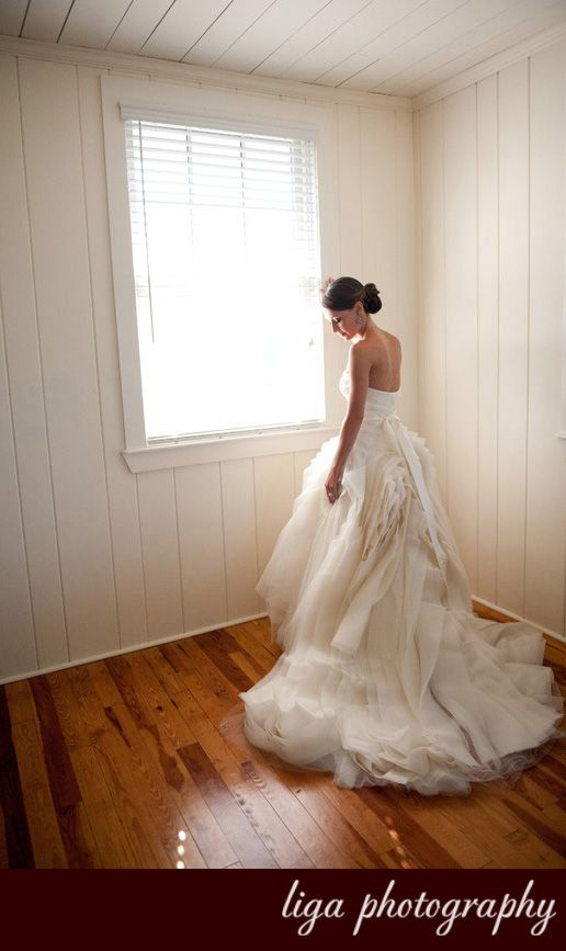 ligaphotography.com // Miriam & Mark's Wedding #biltmoremiami #biltmoremiamiweddings #miamiweddings #floridaweddings #floridaweddingvenue #miamiweddingvenue #southfloridaweddings #southfloridaweddingvenue #ligaphotography #bridalportrait #weddingdress