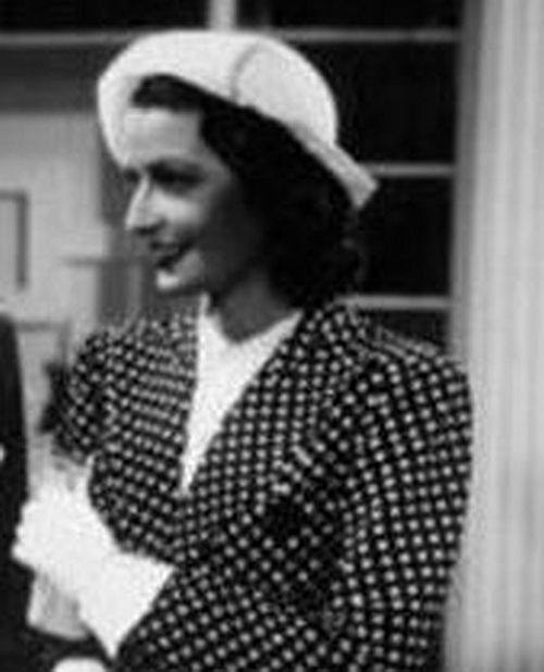 Selfie Legs Ada Dondini (1883-1958)  nude (37 photos), Facebook, swimsuit