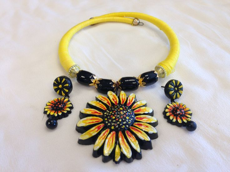 The terracotta jewelry is handmade, Eco-Friendly and popular because of its variety of design, bright colors, ethnic style. The style statement which you will understand it better after using it. - Th