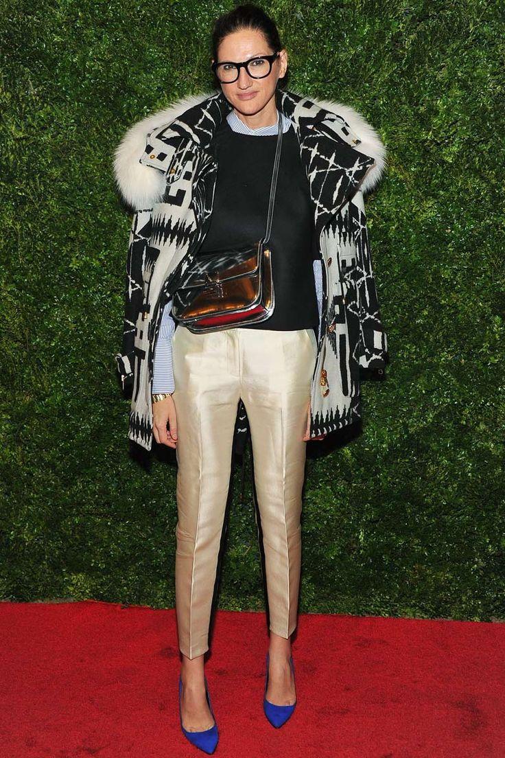 Estreno de 'In Vogue: The Editor´s Eye'    Jenna Lyons, directora creativa de J. Crew, optó por unos pantalones de seda con una blusa y un jersey preppy. Un abrigo sporty con estampado azteca completó su look,