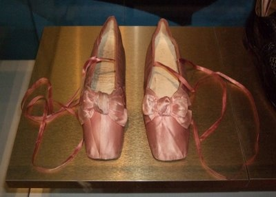 Pink silk shoes with straight soles owned by the first wife of Count Walewski (Napoleons son). They were made by famed French cordonnier Melnotte in 1830.