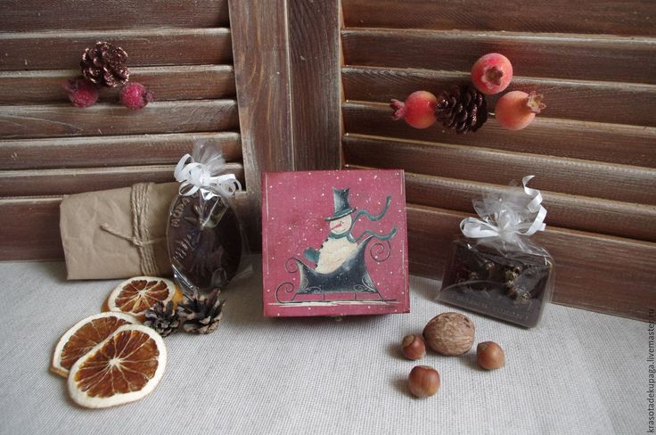 """Купить Шкатулка новогодняя """"Снеговик"""", декпаж. - бордовый, Новый Год, новый год 2016, подарок на новый год"""