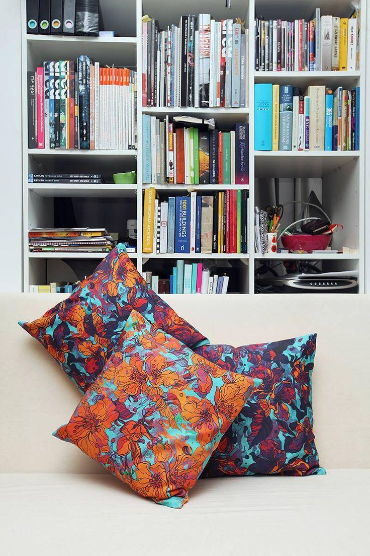 Piękne poduszki stworzone przez DesignPolski, z drukowanych u nas tkanin :) http://www.designpolski.com