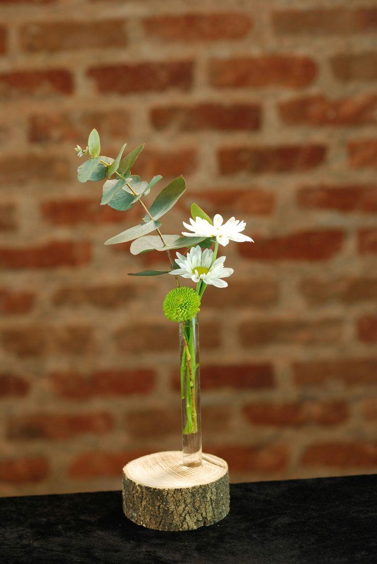 #flowervase#florero #diseño #ponunaflor #flores #floreros #desing #flowervase #bombilla #rosa