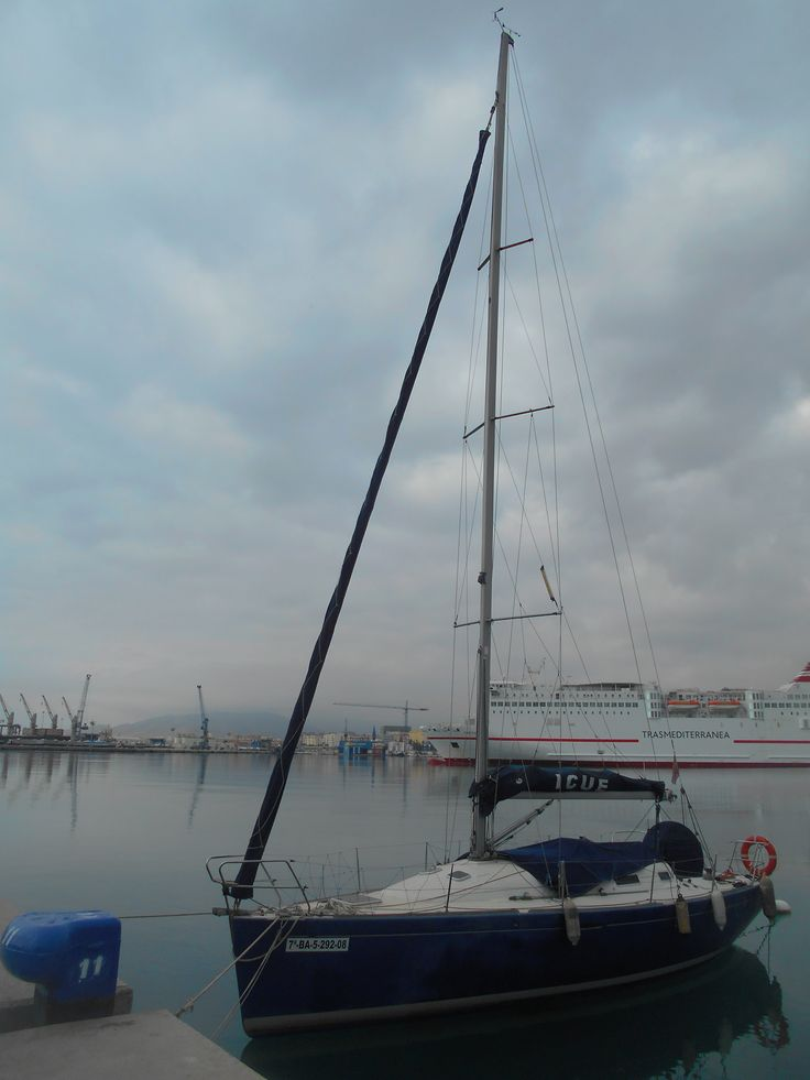 Velero. Puerto de Málaga