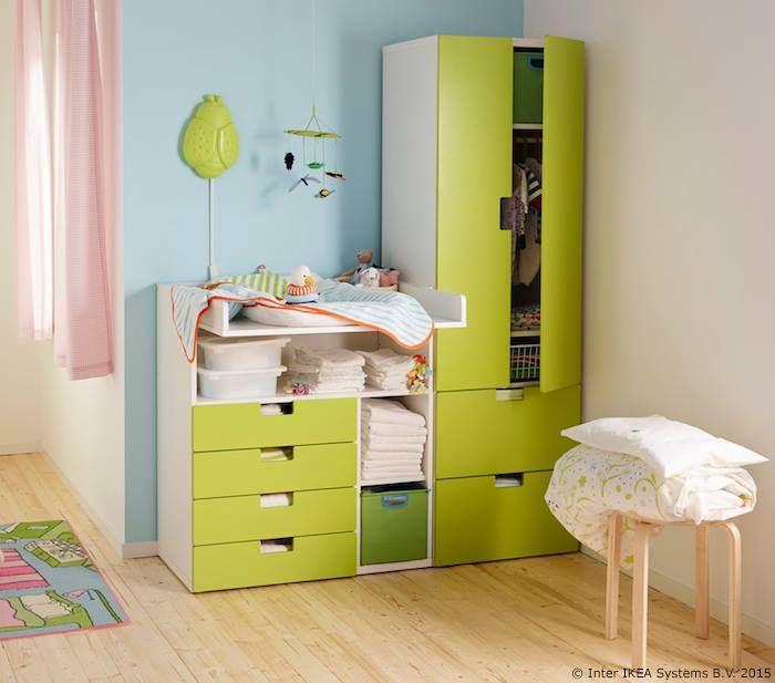 Nakon što tvoje dijete preraste STUVA stol za previjanje, možeš ga lako pretvoriti u radni stol na kojem će pisati ili crtati. www.IKEA.hr/STUVA_stol