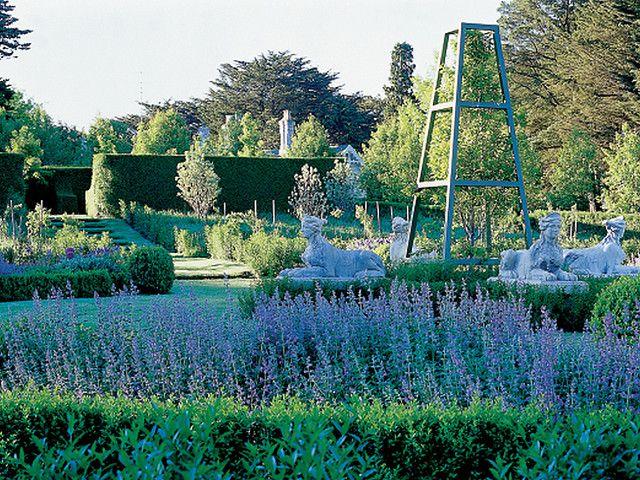 The perennial garden by Paul Bangay, via Flickr