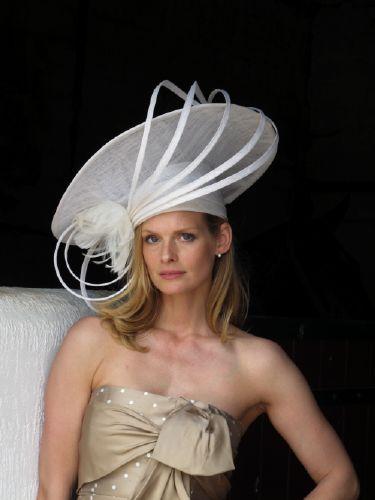 PAULE VASSEUR habille la famille Perrier au Prix de Diane 2013