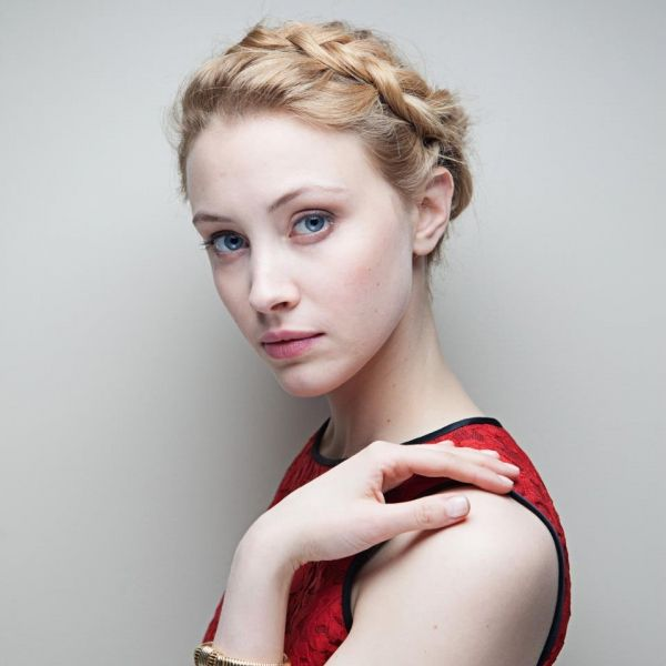 Sarah Gadon (1987) is an American Actress &a Model