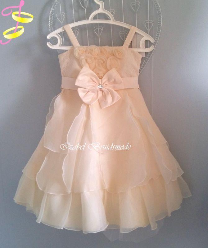Bruidsmeisjes jurk met ruches rok.Materiaal: satijn (atlas), organza en kant.Prachtige jurkje voor kleine dame van zware kwaliteit bruidssatijn. -